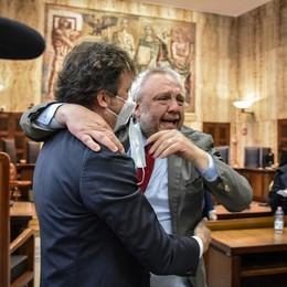 Lodi, l'ex sindaco Uggetti assolto: tre mesi in più per motivare la sentenza