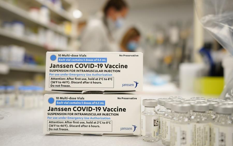 Operatori sanitari non vaccinati: sono in arrivo nuove sospensioni nel Lodigiano