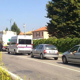 """SAN COLOMBANO «Incrocio """"killer"""" in viale Trieste, il Comune pensi a una rotonda»"""