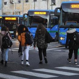 """SCUOLA Trasporti, cambia il """"tesserone"""":  più sconti e validità maggiore"""