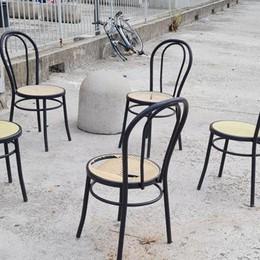 ZELO Giovanissimi vandali si scatenano nel posteggio chiuso e in piazza
