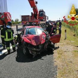 BORGHETTO Incidente in autostrada, la macchina finisce in un canale
