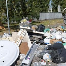 CARPIANO Gli imprenditori di Francolino: «Siamo trattati... come spazzatura»