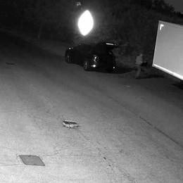 MULAZZANO Scarica rifiuti in via Fermi,  multato l'inquinatore incastrato dalle telecamere