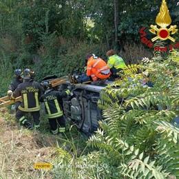 SORDIO Auto tamponata sulla via Emilia finisce in un canale, due feriti