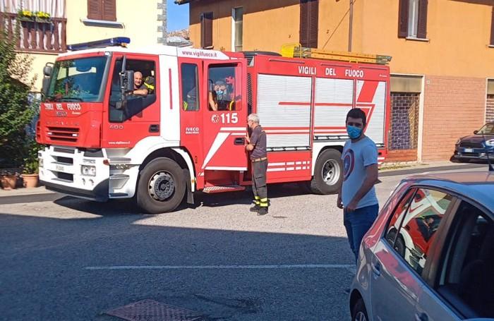 L'arrivo dei vigili del fuoco (Macchioni)