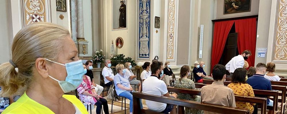 Buone Notizie, volontari contro il Covid in chiesa e nonni in campo per imparare a fare i falegnami