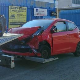 CARPIANO Travolto dall'auto in fuga è finalmente fuori pericolo