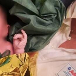 LA STORIA Mamma partorisce in comunità a Lodi grazie a un volontario 19enne
