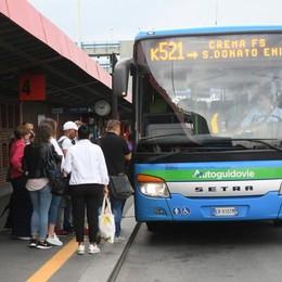 """Paullo, """"sentinelle"""" alle fermate dei bus: i trasporti stavolta passano l'esame"""