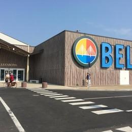 SAN ROCCO Doppio assalto al centro commerciale Belpò: razziati 2 negozi