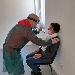 A San Giuliano è corsa al tampone per i lavoratori: boom di prenotazioni in farmacia