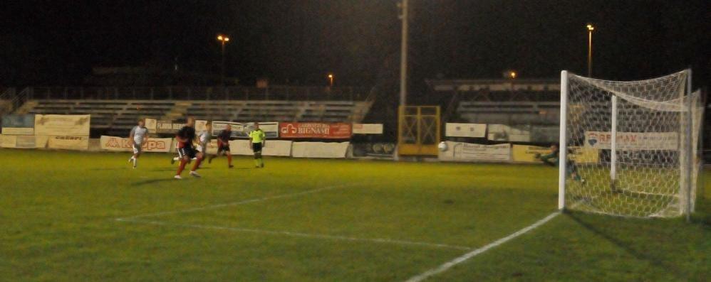 Calcio, Sant'Angelo da applausi