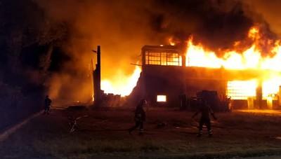 Capannone a fuoco a San Fiorano