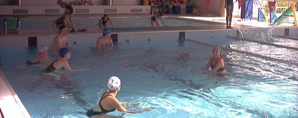 """Dopo un mese di """"stop"""" riapre la piscina di via Parri a San Donato"""