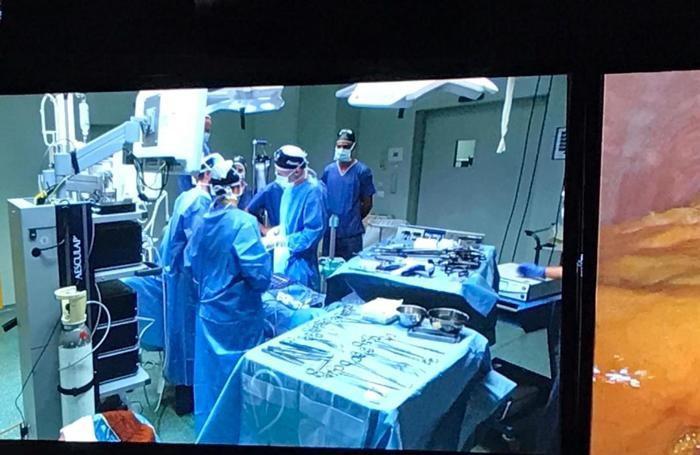 L'equipe dell'ospedale Maggiore in diretta sugli schermi nazionali per illustrare un intervento di laparoscopia