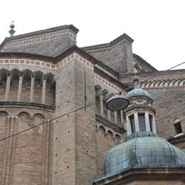 LODI Un fulmine cade sulla Cattedrale, danneggiato l'impianto elettrico