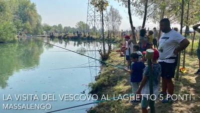 """Massalengo, visita del vescovo al """"Laghetto 5 ponti"""""""