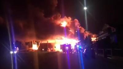 Maxi incendio a San Fiorano
