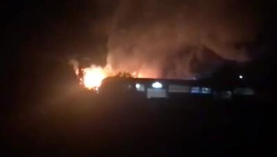 San Fiorano, bruciano i pallett