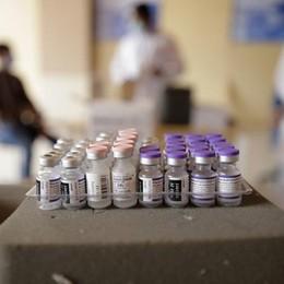 Rsa e operatori sanitari, non ci sono i vaccini per le terze dosi
