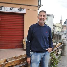 SANT'ANGELO La sfida del Bar del Ponte, i giornali insieme al caffè