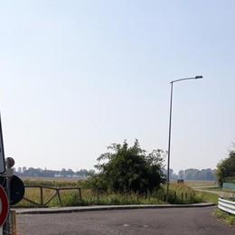"""SICUREZZA Telecamere contro i """"furbetti"""" sulla strada che va a Carpiano"""