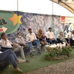 Lodi, opposizione compatta sul palco: bordate contro la giunta Casanova