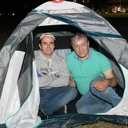 """Una notte in tenda per salvare il """"Central park"""" di San Donato VIDEO"""